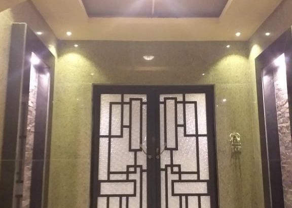 شقة للبيع أمام فندق دو سيت 200متر بالتجمع الخامس