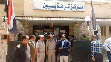 Photo of ضبط تشكيل عصابي لسرقة المواطنين بالإكراه في الغربية