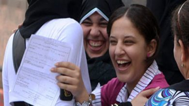 Photo of فرحة عارمة لطلاب الثانوية العامة لسهولة الأحياء