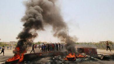 Photo of محتجون يغلقون الطريق المؤدي لميناء أم قصر بالعراق