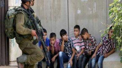 Photo of اعتقلت إسرائيل نحو 900 فلسطيني خلال الشهرين الماضيين بينهم 133 طفلًا