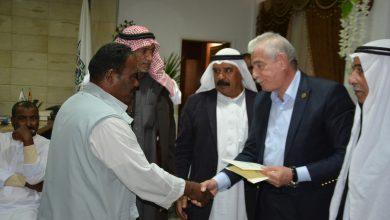Photo of محافظ جنوب سيناء يقدم مبلغ 483 جنيه دعما للصيادين كمنحة من الازهر الشريف