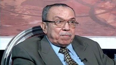 Photo of فيديو| تشييع جثمان الإذاعي محمد عبدالعزيز بمسقط رأسه بالغربية