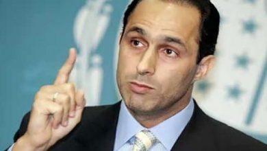 "Photo of علاء مبارك ينعى والده عبر تويتر: ""اللهم اعف عنه واغفر له وارحمه"""