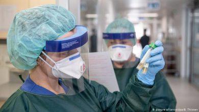 "Photo of حالات الإصابة بفيروس ""كورونا"" يتخطى حاجز الـ2 مليون و700 ألف حالة"