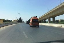 Photo of تحرك سيارة إسعاف تقل جثمان رجاء الجداوى إلى القاهرة بعد انتهاء صلاة الجنازة