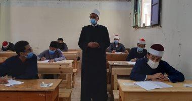 Photo of غدا.. طلاب القسم العلمى للثانوية الأزهرية يختتمون امتحاناتهم بمادة التفسير