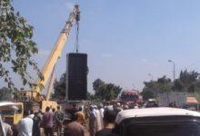 Photo of استخراج السيارة الثانية من السيارات الغارقة فى معدية قرية دمشلى بالبحيرة