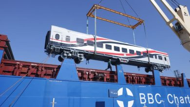 Photo of صور.. وصول ميناء الاسكندرية 22 عربة سكة حديد روسية جديدة