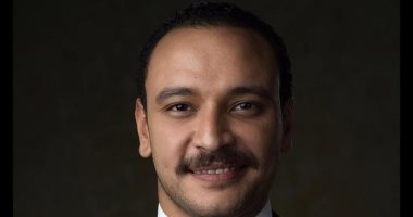 "Photo of أحمد خالد صالح فى مسلسل ""أنصاف مجانين"""