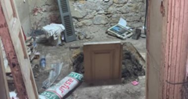 Photo of ضبط ميكانيكى أثناء الحفر والتنقيب عن الأثار بمسكنه في سوهاج