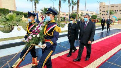 Photo of محافظ البحيرة ومدير الامن يضعان اكليل من الزهور على النصب التذكارى لشهداء الشرطة  (صور)
