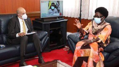 Photo of السفير المصري في كمبالا يلتقي برئيسة البرلمان الأوغندي