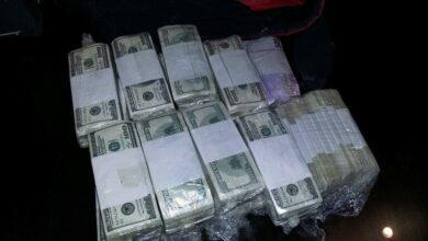Photo of (فيديو)إحباط عملية تهريب 480 ألف دولار أمريكي مزيفة عبر المطار