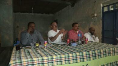 Photo of إجتماع منسق وحدة السكان بغرب أسوان بالمسئولين لحصر مشاكل وإحتياجات القرية